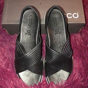 EUC Ecco Flash Black 42 11 M sandals worn 1x